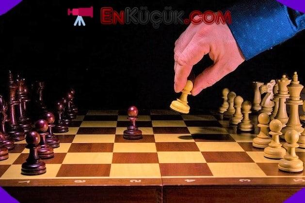 kac satranc oyuncusu var