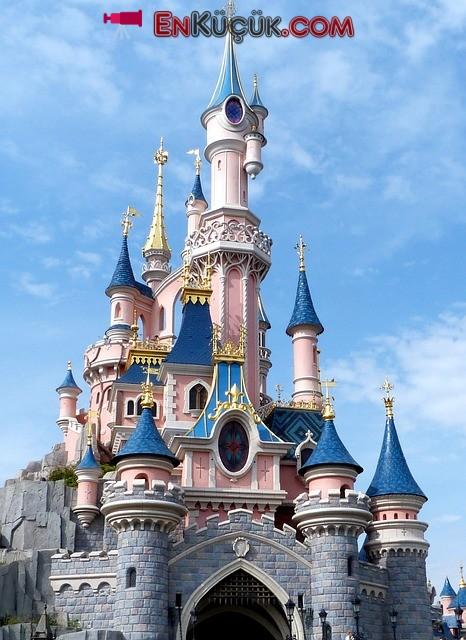 Disneyland Park fransa uyuyan kale